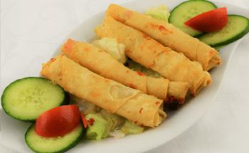 Sigara böregi mit Gemüse, 4 Stück